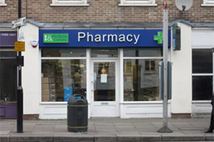 صيدلية بتجكنس اند كورنس <br>Pitchkins - Currans - Pharmacy