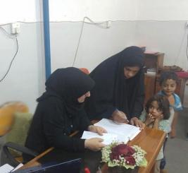 مركز ارشاد النجف : الطفله علياء تتبرع بمبلغ مالي كمساعده معيشيه للسيده / كواكب ياسين