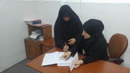 مركز ارشاد النجف : سيده كريمه من اهل الخير تتبرع لايتام السيده /ازهار عبد الامير