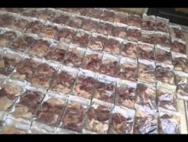 مركز ارشاد النجف : محسن يتبرع ل (53) عائله بماده اللحم الاحمر