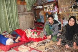 بغداد – مركز مدينة الصدر : عائلة تعاني من جميع الظروف تناشد اهل الخير لمساعدتها